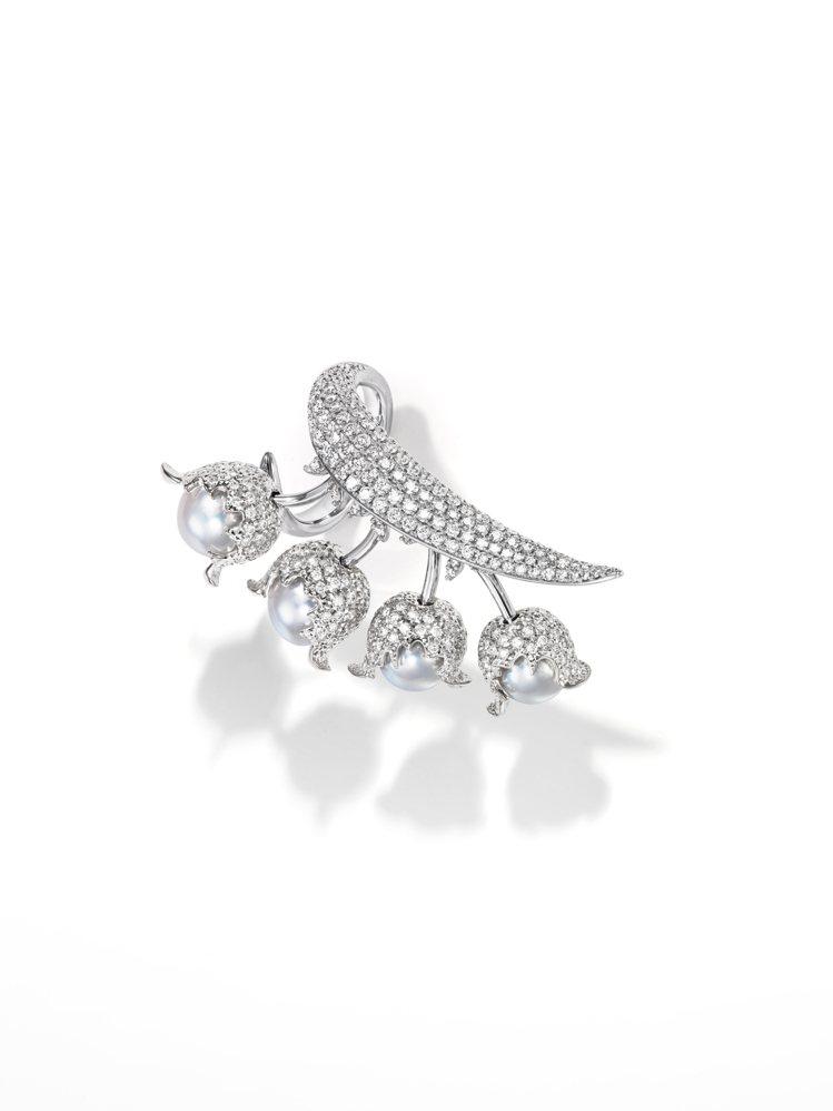 TASAKI chorus valley 18K白金鑽石珍珠戒指,212萬元。圖...