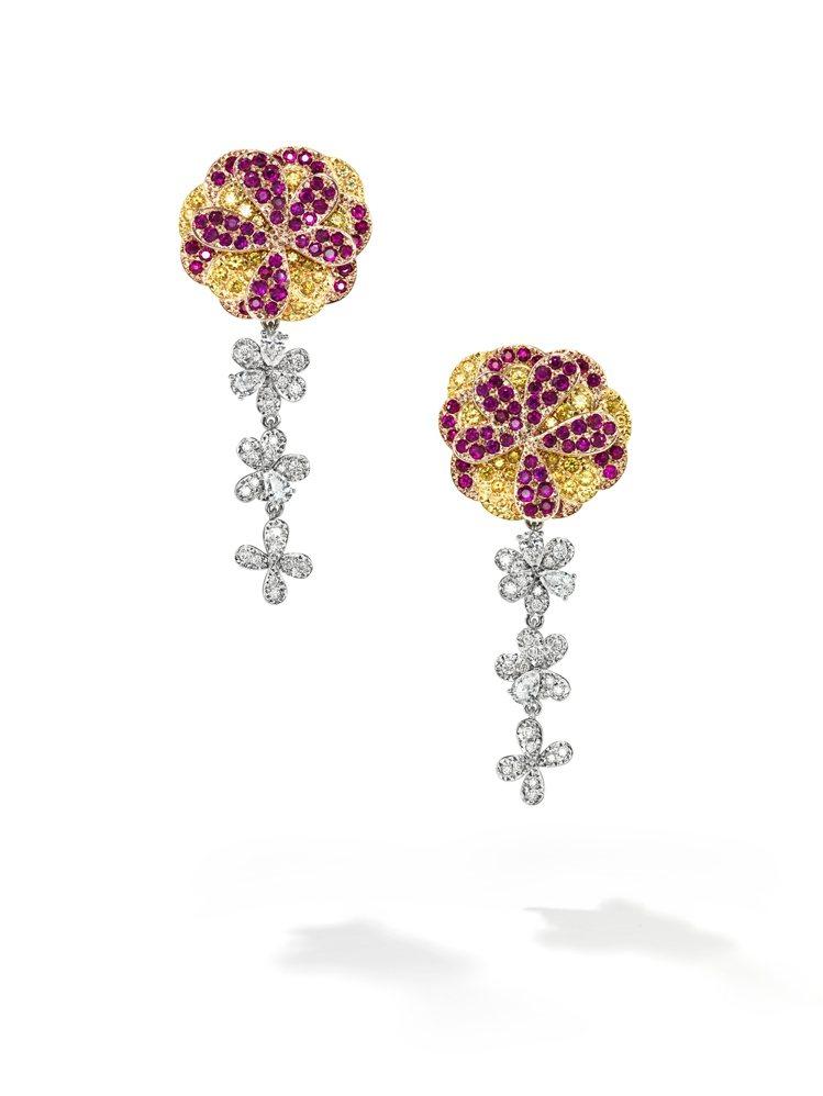TASAKI dahlia紅寶石彩寶耳環,採用鉑金、18k黃金、櫻花金鑲嵌紅寶石...
