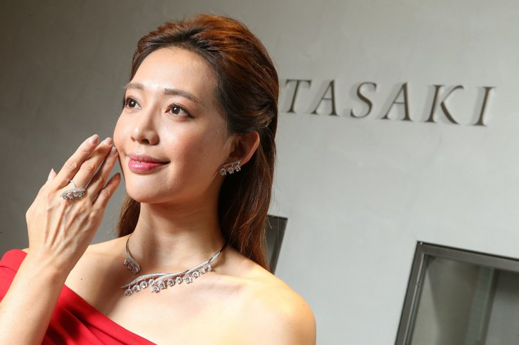 TASAKI全新flatland秋冬高級珠寶發表,名模王心恬展示頂級珠寶。圖/記...
