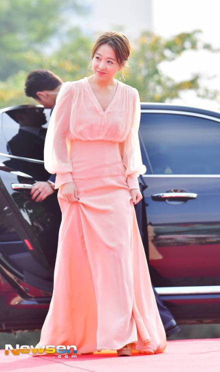 朴寶英憑著「大力女子都奉順」獲得韓劇最佳女演員獎。圖/摘自Newsen