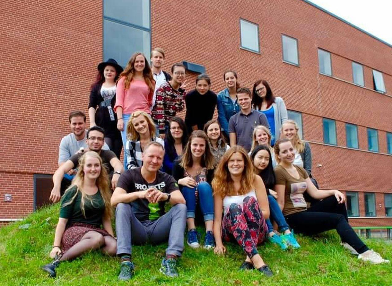 朝陽科大管理學院學生赴丹麥VIA大學當交換學生,體驗北歐文化與教育學風。圖/朝陽...