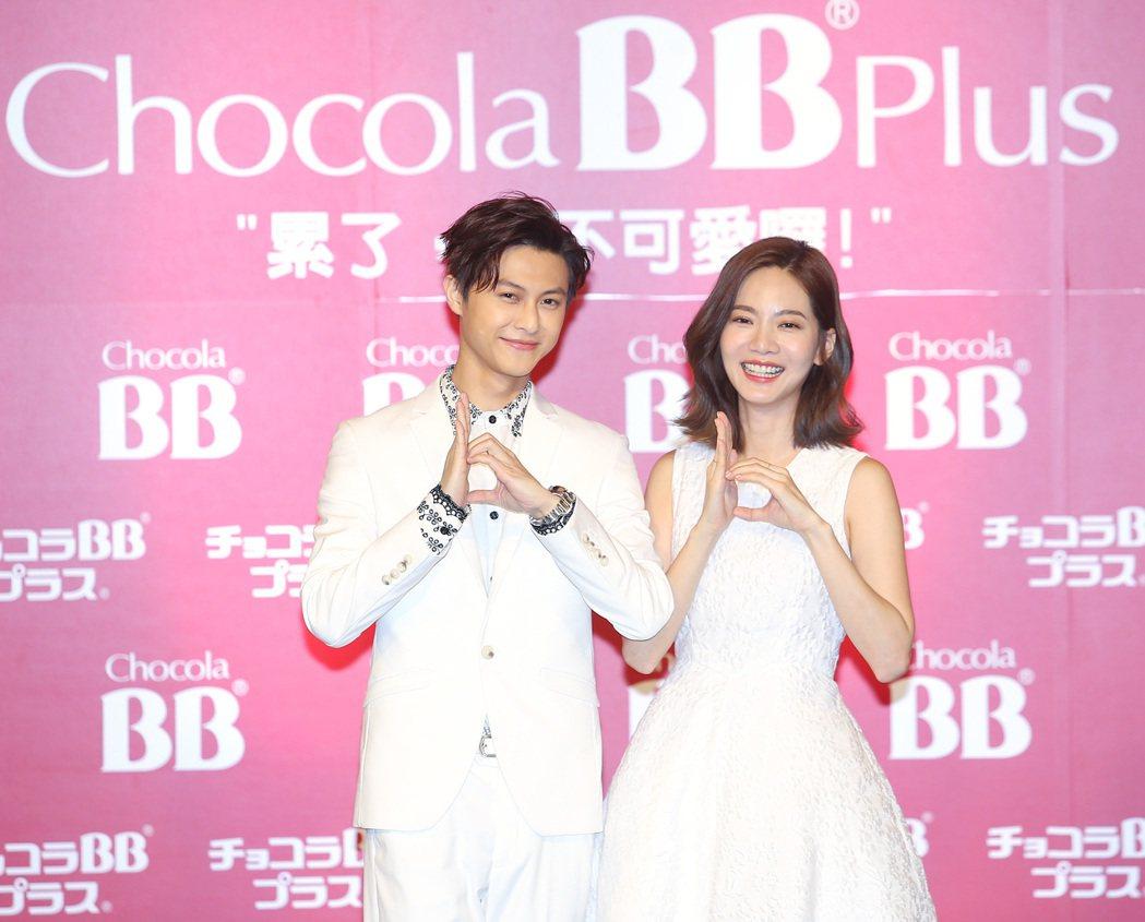 日本品牌Chocola BB邀請藝人曾之喬(右)擔任代言人,曾之喬的演戲好搭擋王