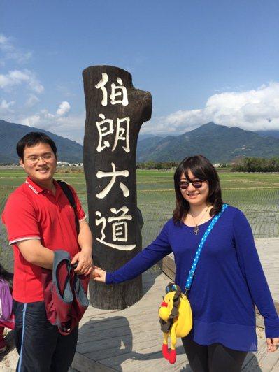 鬼門關前「走兩回」,黃皇嘉(左)變得愛和家人拍照。 記者楊正海/翻攝