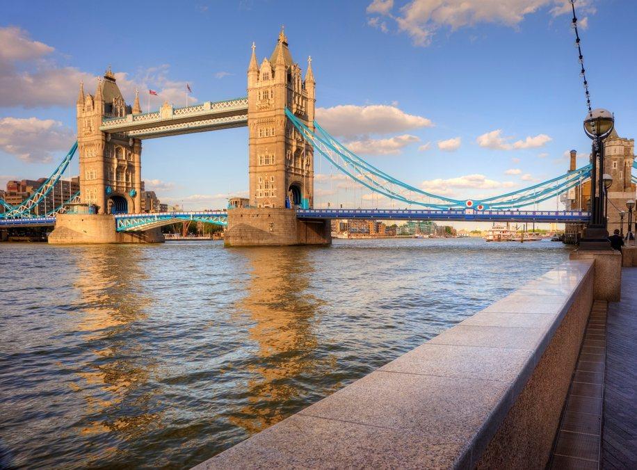 英國倫敦塔橋的黃昏美景。圖/ingimage