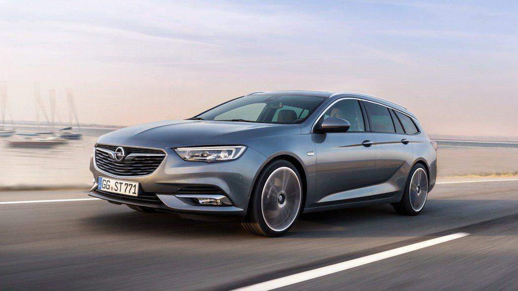 全新Opel Insignia外型更為硬派,加上線條銳利設計,整體視覺效果沉穩中...