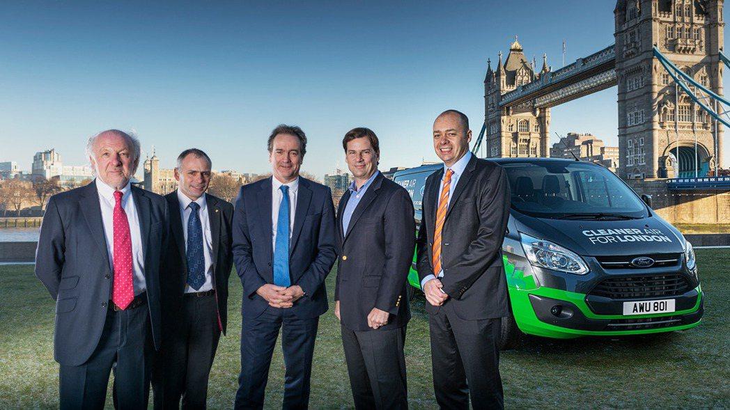 Ford將以租賃方式提供20部Transit Custom PHEV讓企業測試,...