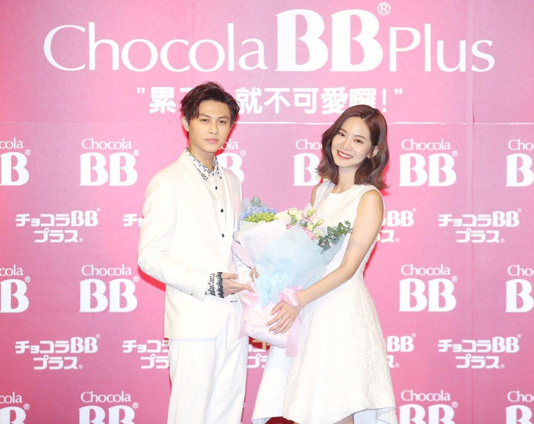 日本品牌Chocola BB邀請藝人曾之喬(右)擔任代言人,曾之喬的演戲好搭擋王...