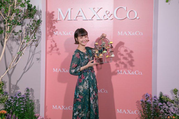 愛吃甜食的謝欣穎出席MAX&Co.和六福萬怡酒店聯名「秋日花園下午茶」活動。圖/...