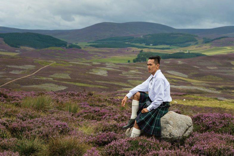在愛丁堡藝術節看了一齣長達六小時的戲,編導演都用力過猛,看完老了六歲。我的座位前...