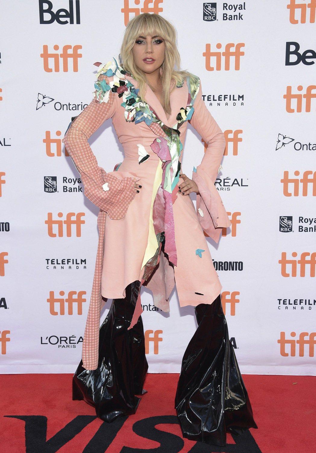 美國流行音樂天后女神卡卡(Lady Gaga)表示,她計畫12月中旬結束目前的全...