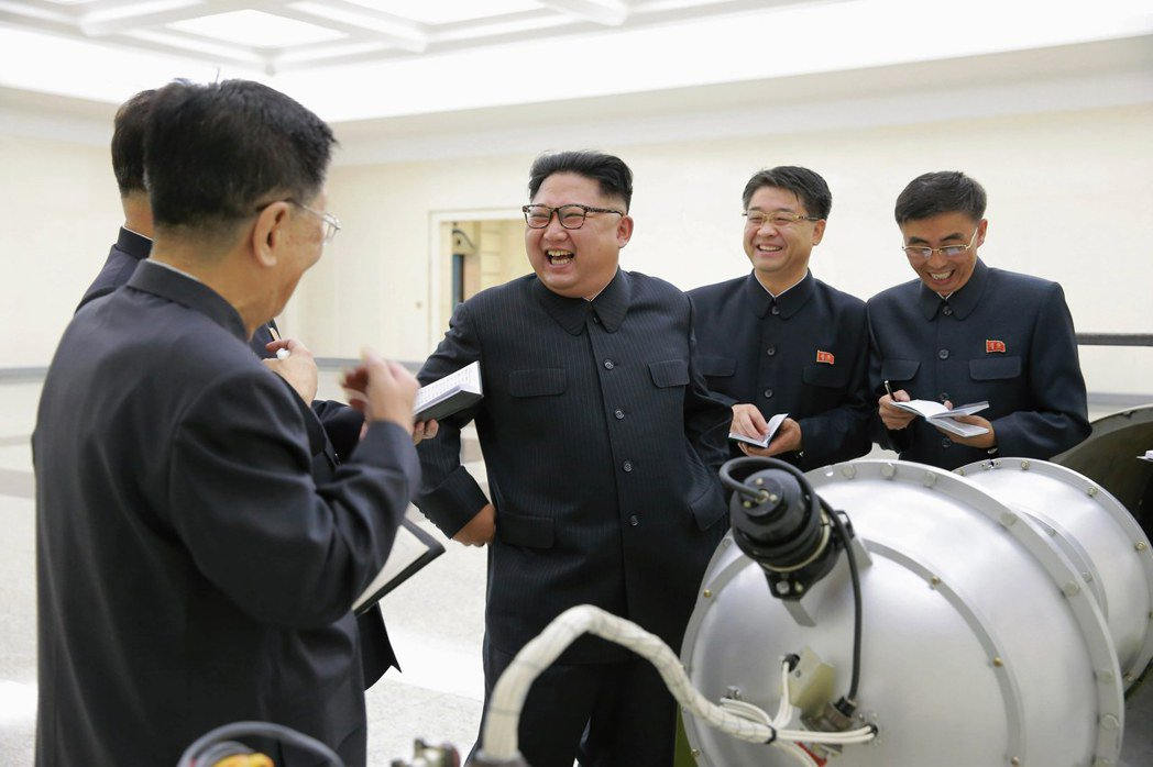 北韓官方中央通訊社在3日的核試驗過後,公布了金正恩到核武工作部門進行視察的畫面。...