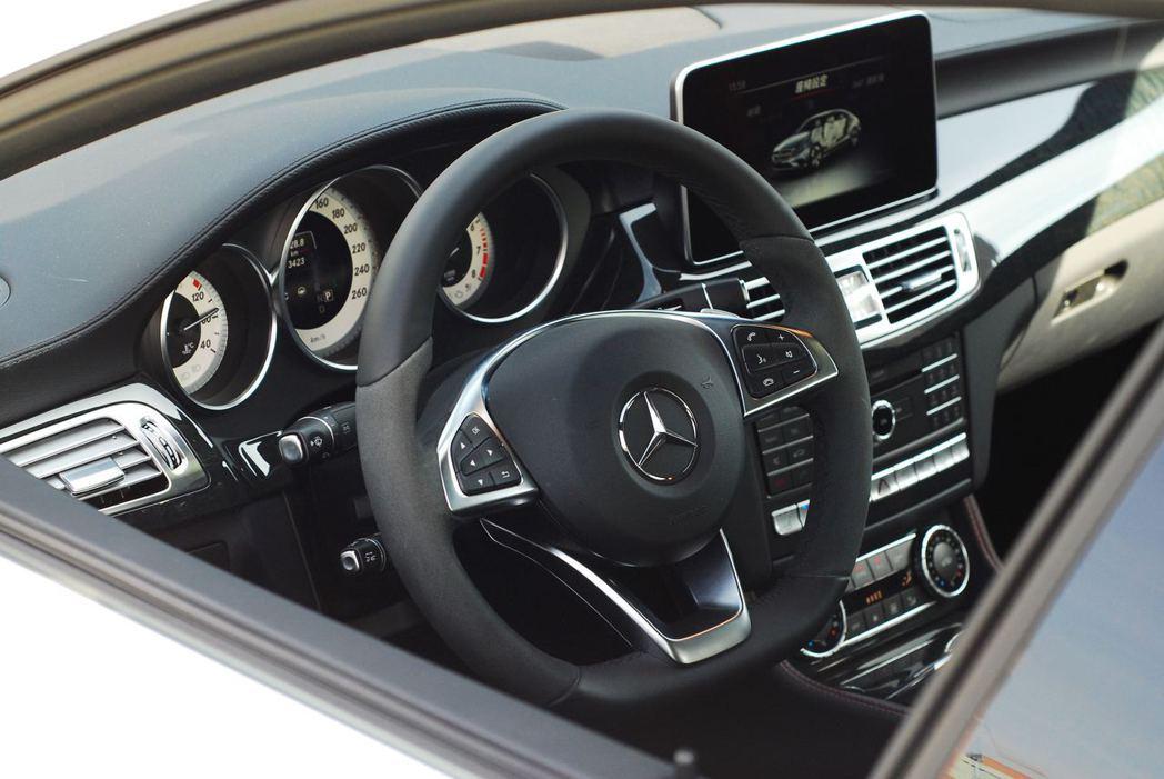 Mercedes-Benz CLS400 AMG Final Edition。記...