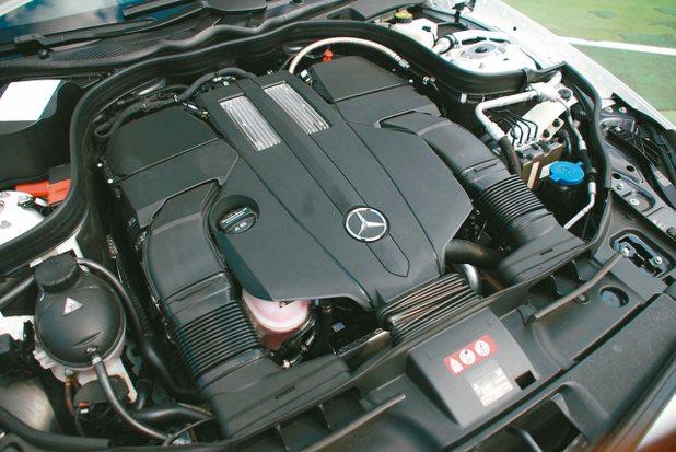 3.0升 V6雙渦輪增壓引擎。 記者林昱丞/攝影