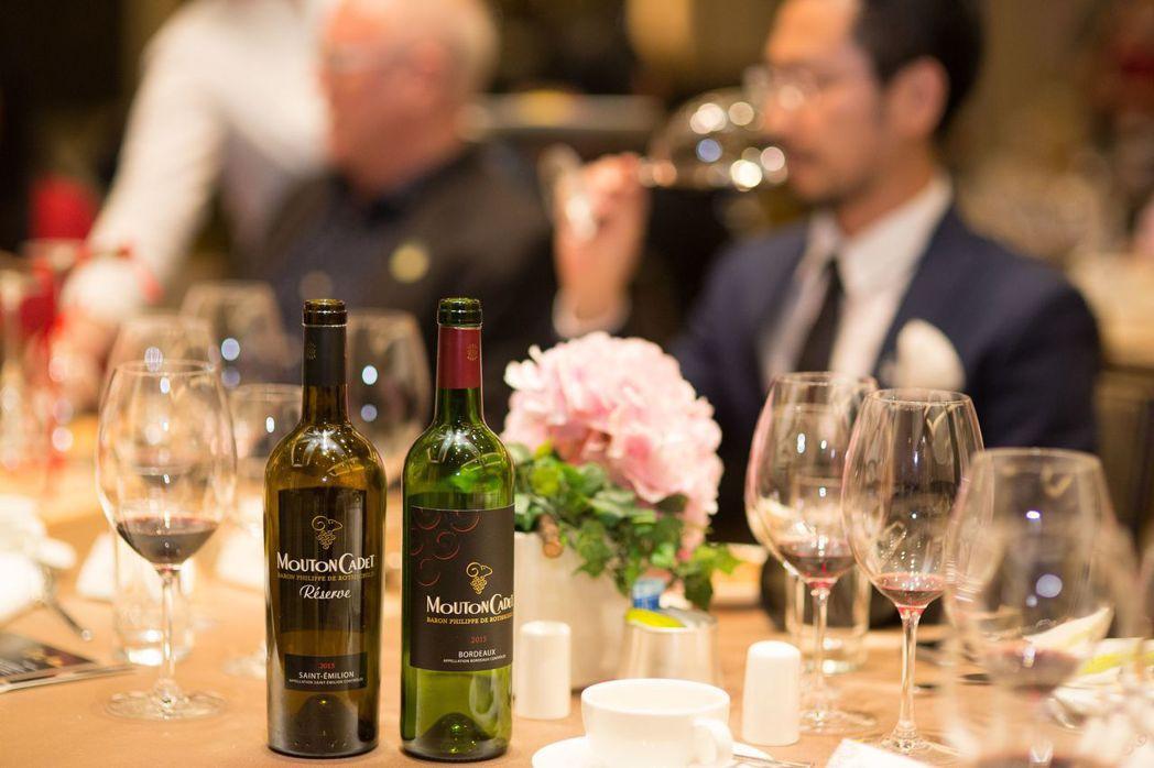 摩當卡地聖愛美濃精釀紅葡萄酒新包裝(單瓶價1490元)及摩當卡地醇釀紅葡萄酒新包...