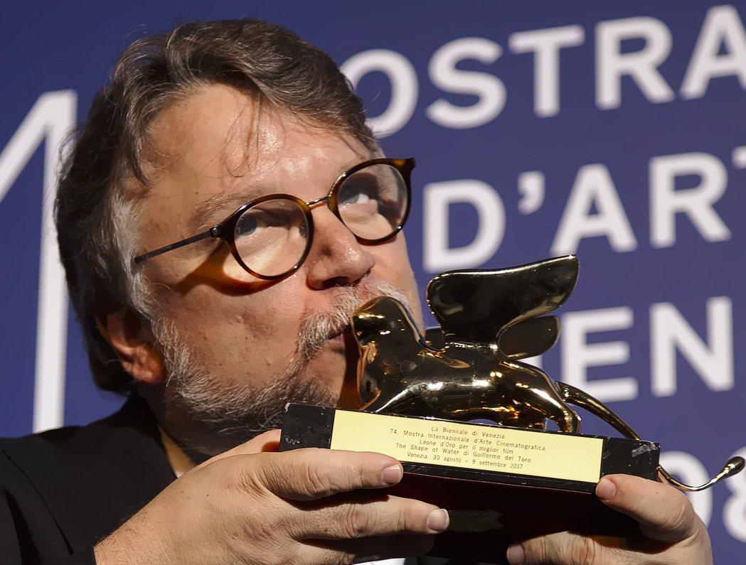 墨西哥導演吉勒摩戴托羅(Guillermo del Toro)執導的人魚戀故事「