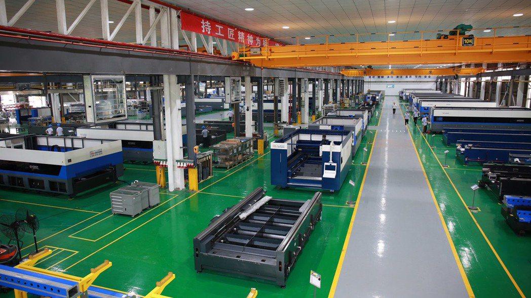 大族激光將建構世界最頂級、最高效、最能體現鐳射智慧裝備生產價值的廠房,向全球展示...