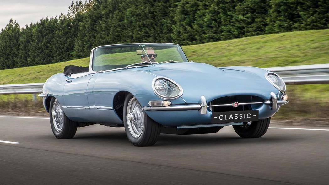 Jaguar E-Type Zero目前只是為概念車的階段。 摘自Jaguar