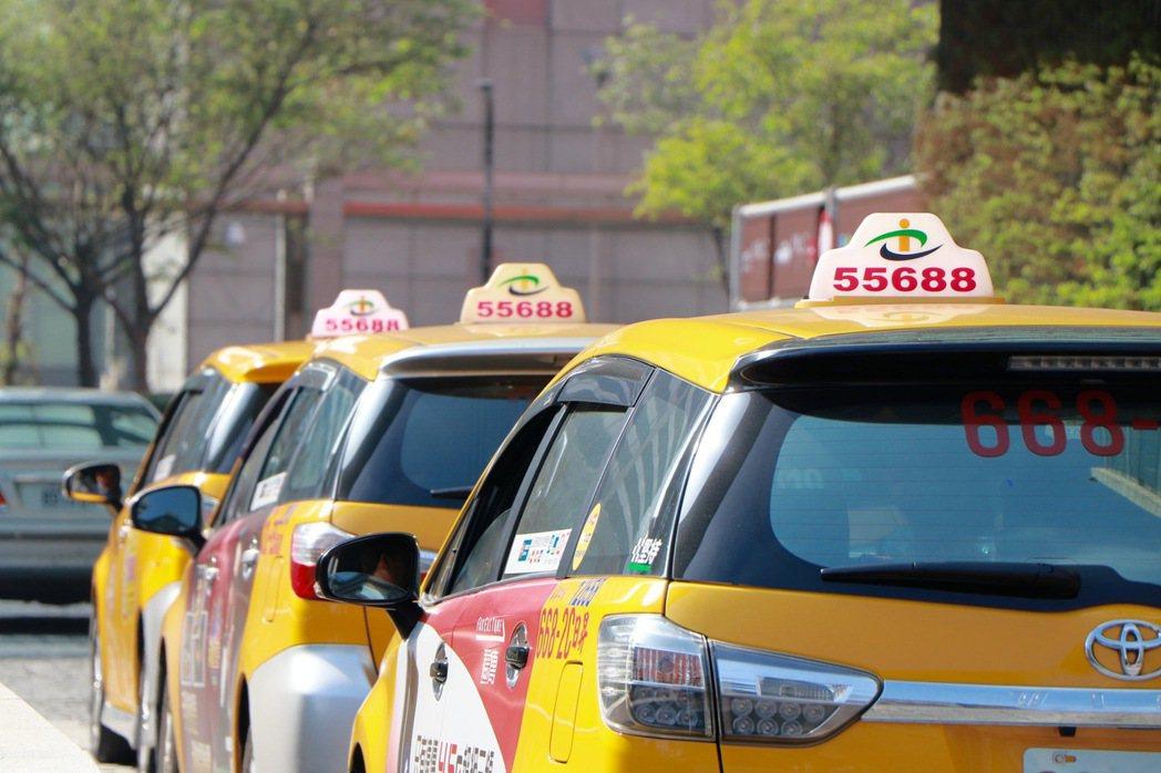 去年11月開始實施計程車駕駛人指認詐欺車手獎勵措施,迄今已有7名運將抱走獎金。 ...