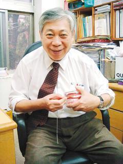 高醫附設醫院特殊需求者牙科教授黃純德,長期關注身障者的牙口健康。 圖/報系資料照