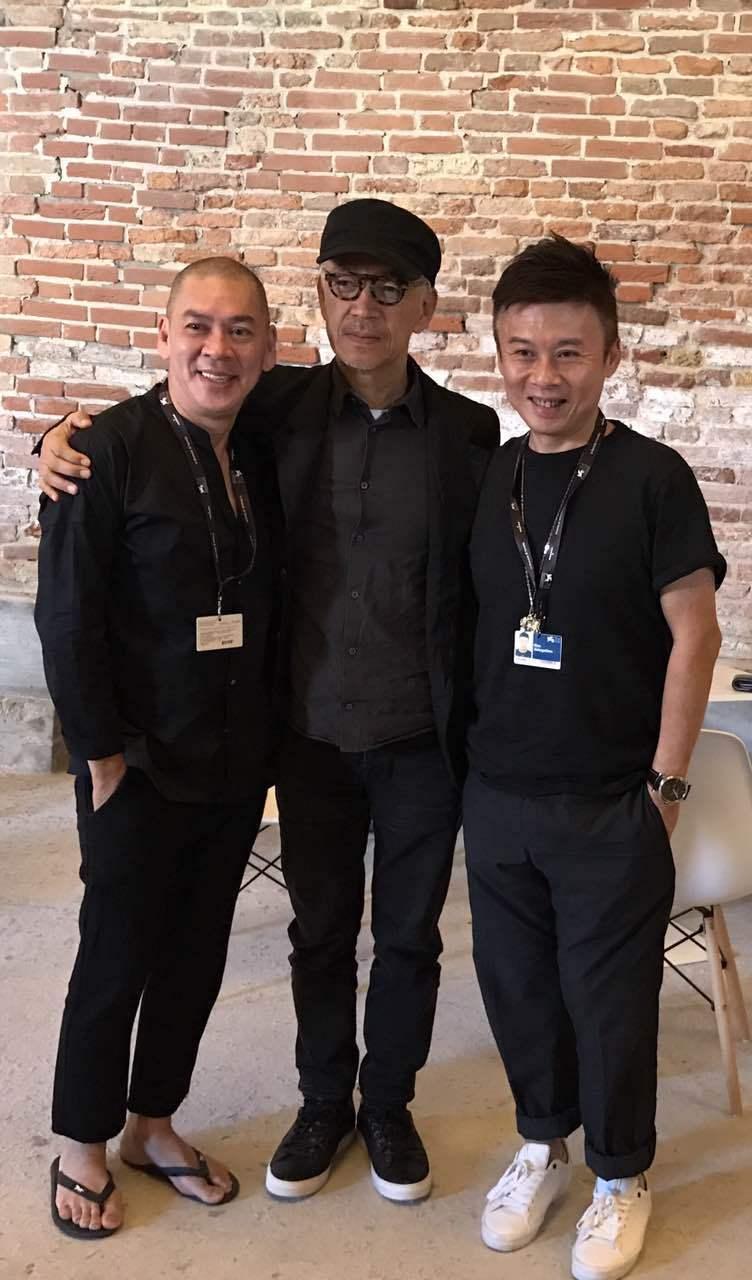 蔡明亮導演(左起)與音樂大師坂本龍、及HTC虛擬實境內容中心副總經理劉思銘相見歡...