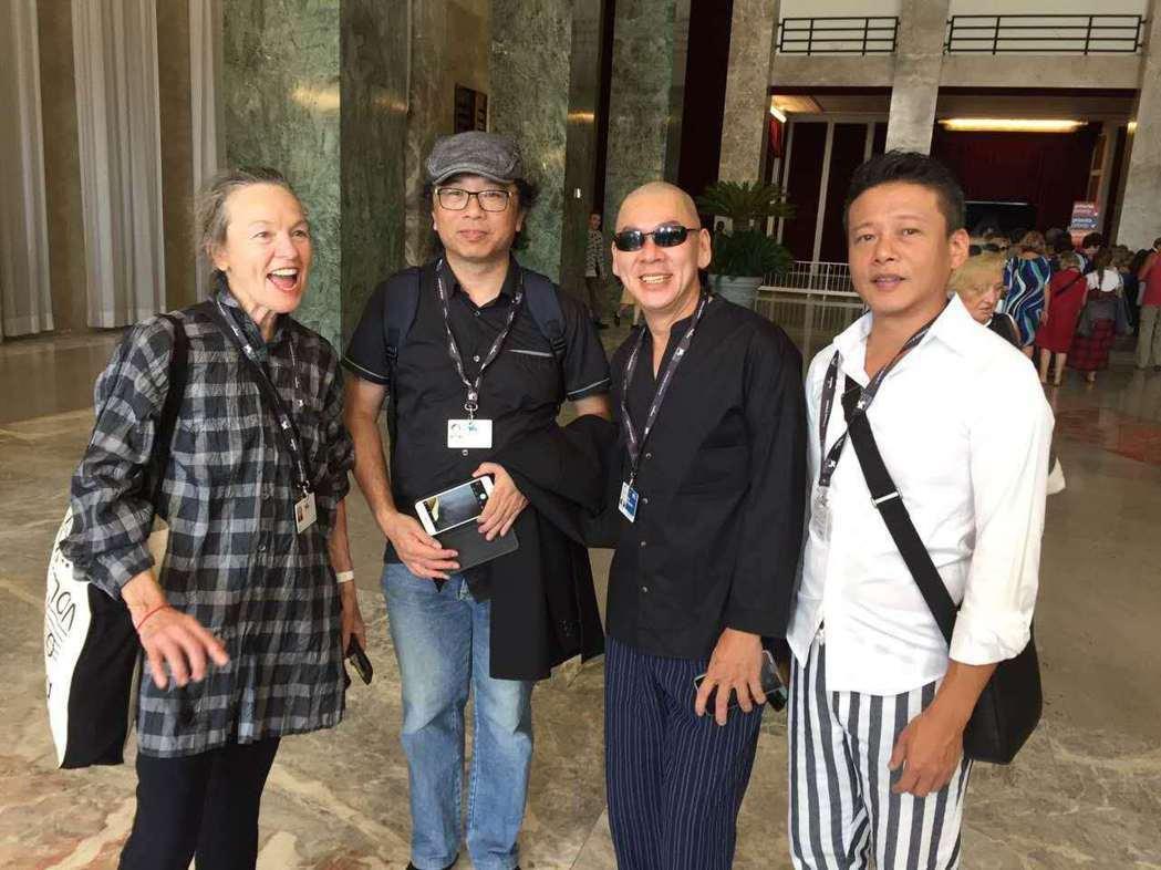 美國前衛音樂教母蘿瑞安德森(左起)、新媒體藝術家黃心健、蔡明亮導演及李康生在威尼