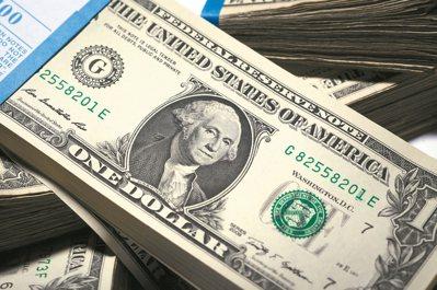 新台幣對美元升勢再起,美元保單銷售紅不讓。專家提醒,民眾投保前應有四大認知。 本...