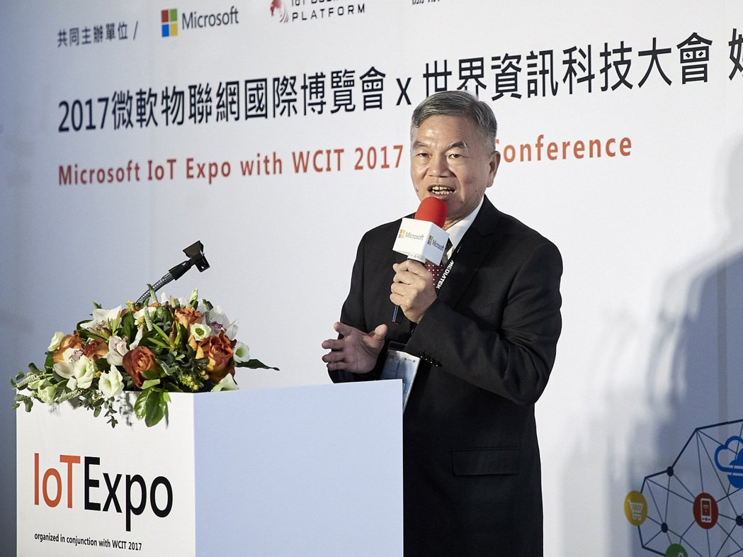 新任經濟部部長沈榮津見證此次合作。  台灣微軟/提供