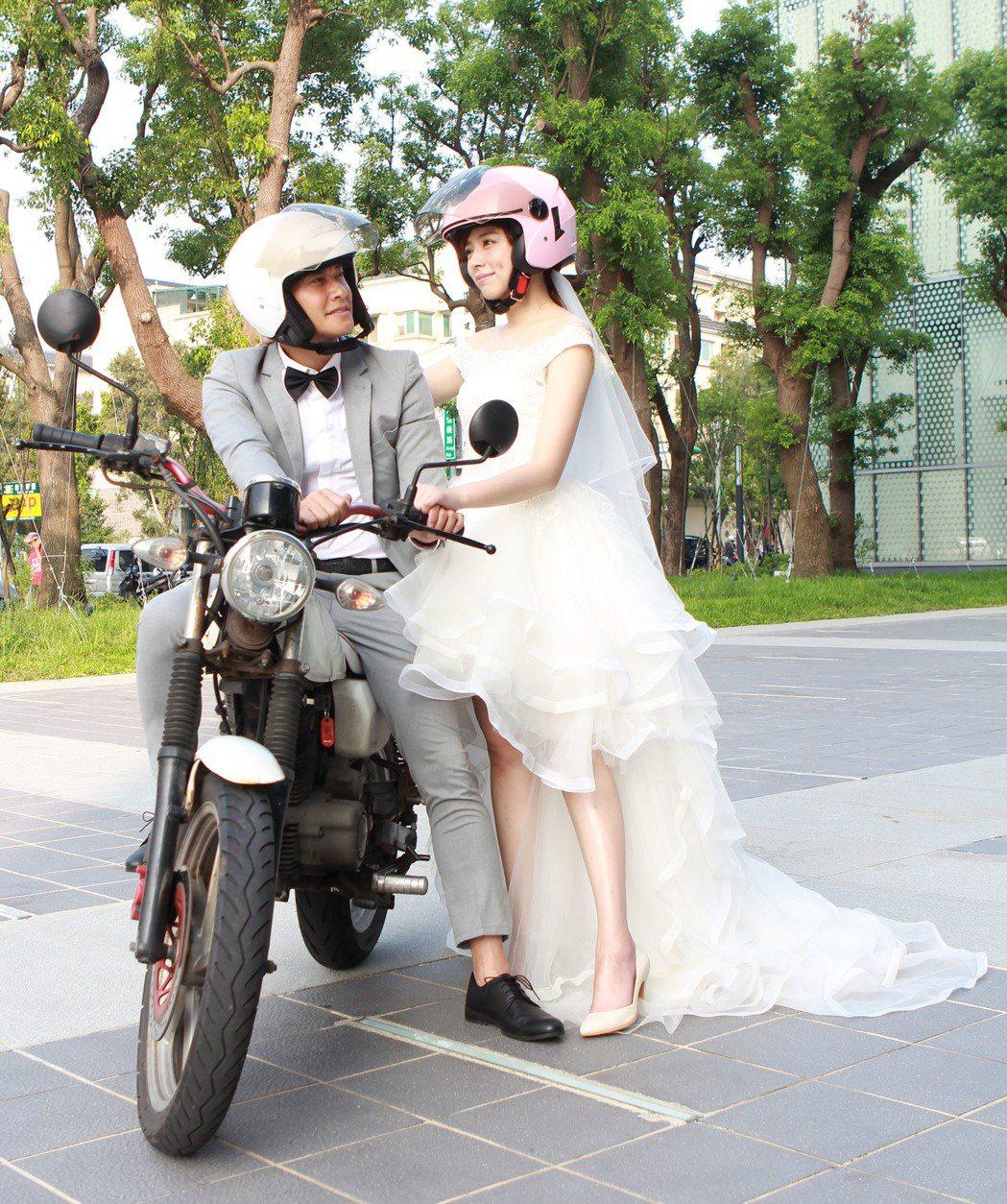 王瞳、王建復拍8點檔「幸福來了」,披婚紗上演「追夢人」橋段。圖/民視提供