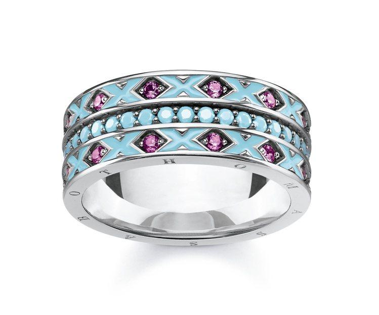 鑲彩寶圖騰戒指,12,800元。圖/THOMAS SABO提供