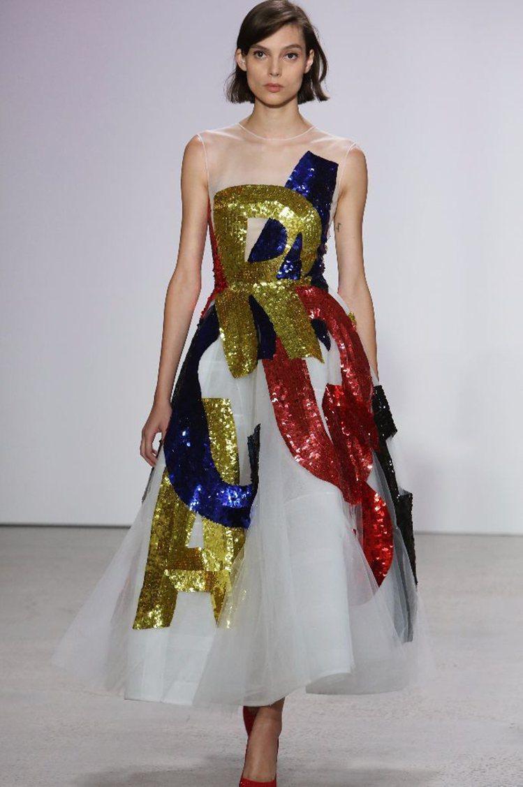 雪紡紗搭配亮片點綴的禮服一直是Oscar de la Renta的招牌設計,但在...