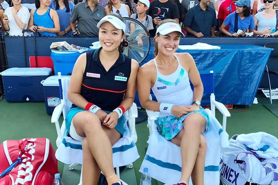 詹詠然與搭檔辛吉絲闖進武漢網賽決賽。 圖擷自詹詠然臉書