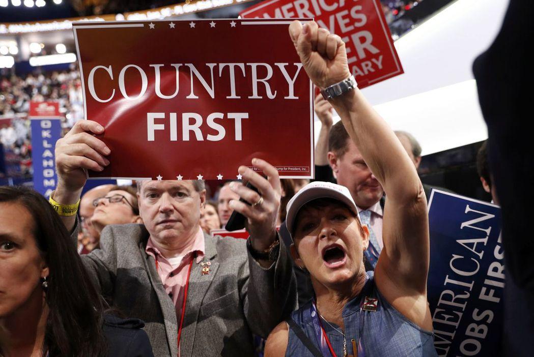 川普的支持者��然不都只是�N族主�x者,但是美��未曾正��c解�Q的�N族�n突,在他���x後...