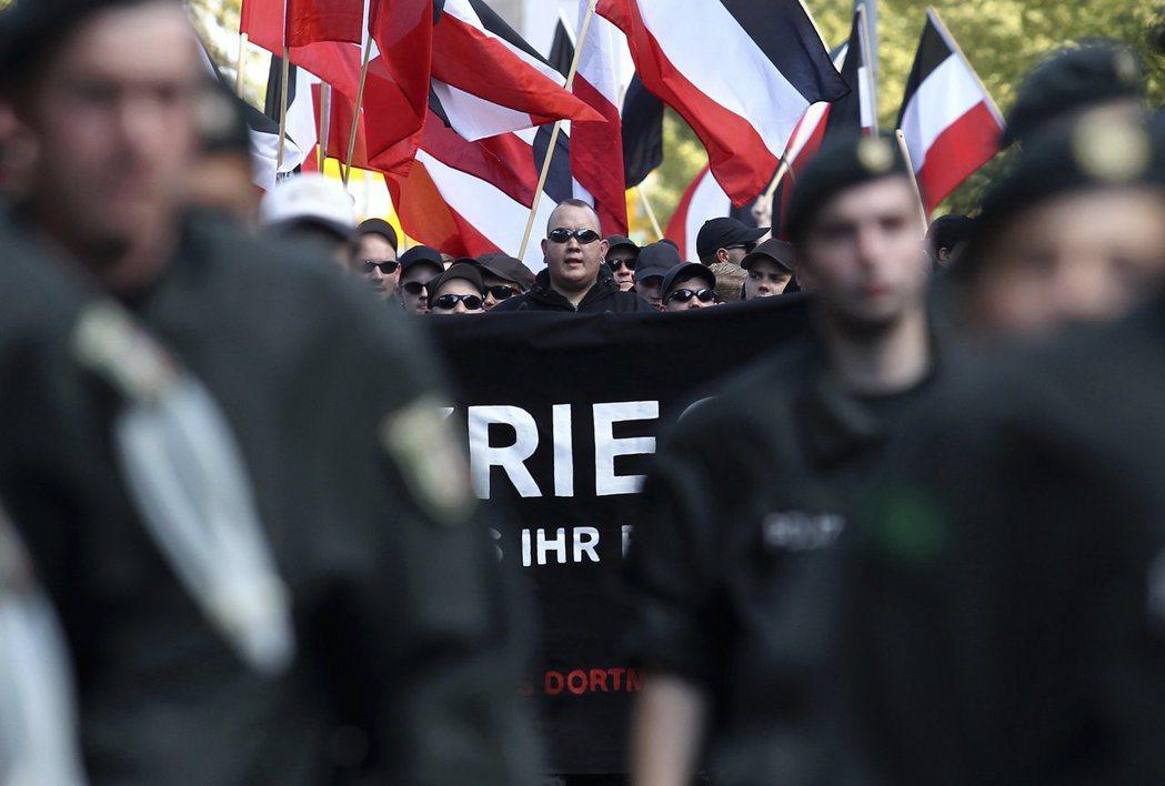 並非說歐洲大陸已不存在任何新納粹分子,但他們的遊行受到嚴格監控。 圖/路透社