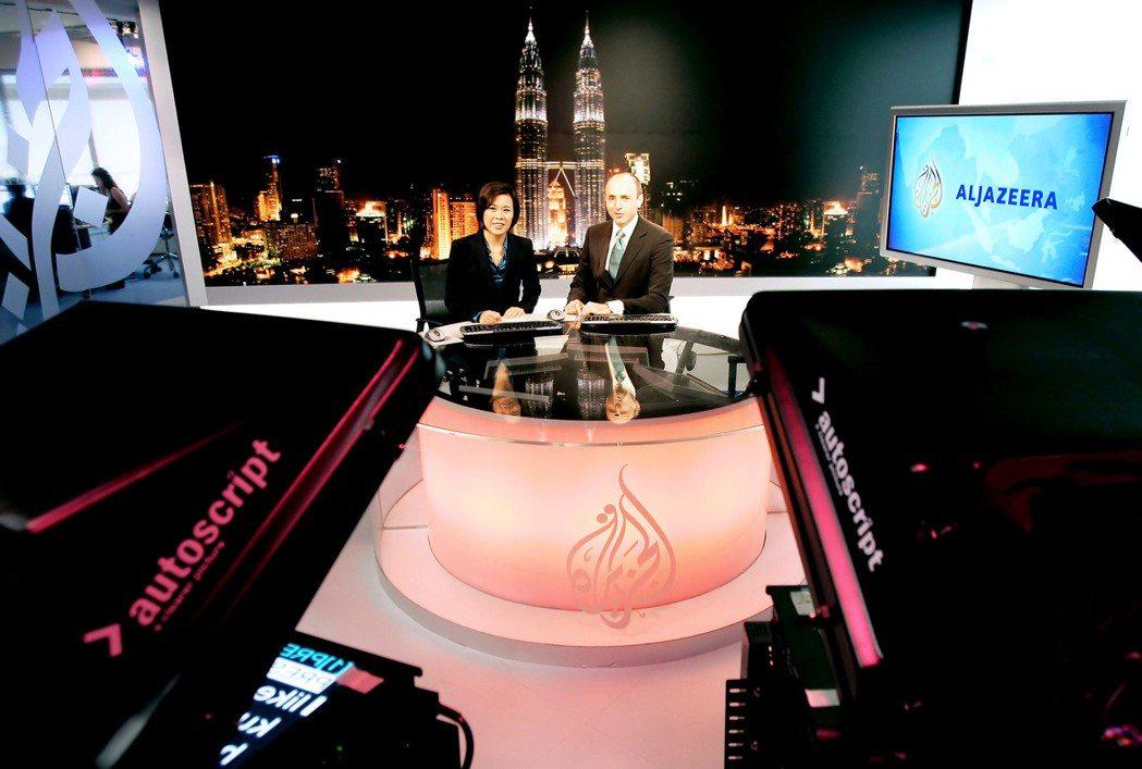 除了高質量的調查報導外,半島一掃傳統阿拉伯媒體的官話傳統,在新聞中加入了圓桌對辯...