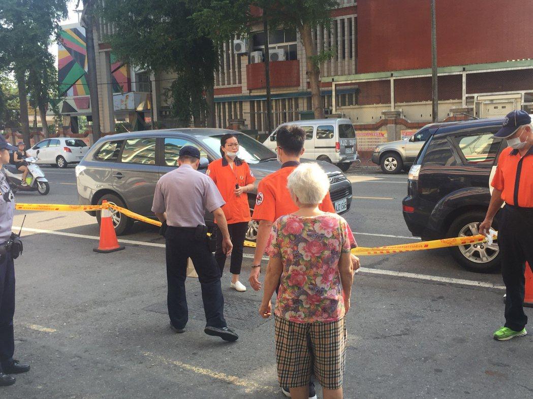 台南市新營區中正路發生一起墜樓意外。記者吳政修/攝影
