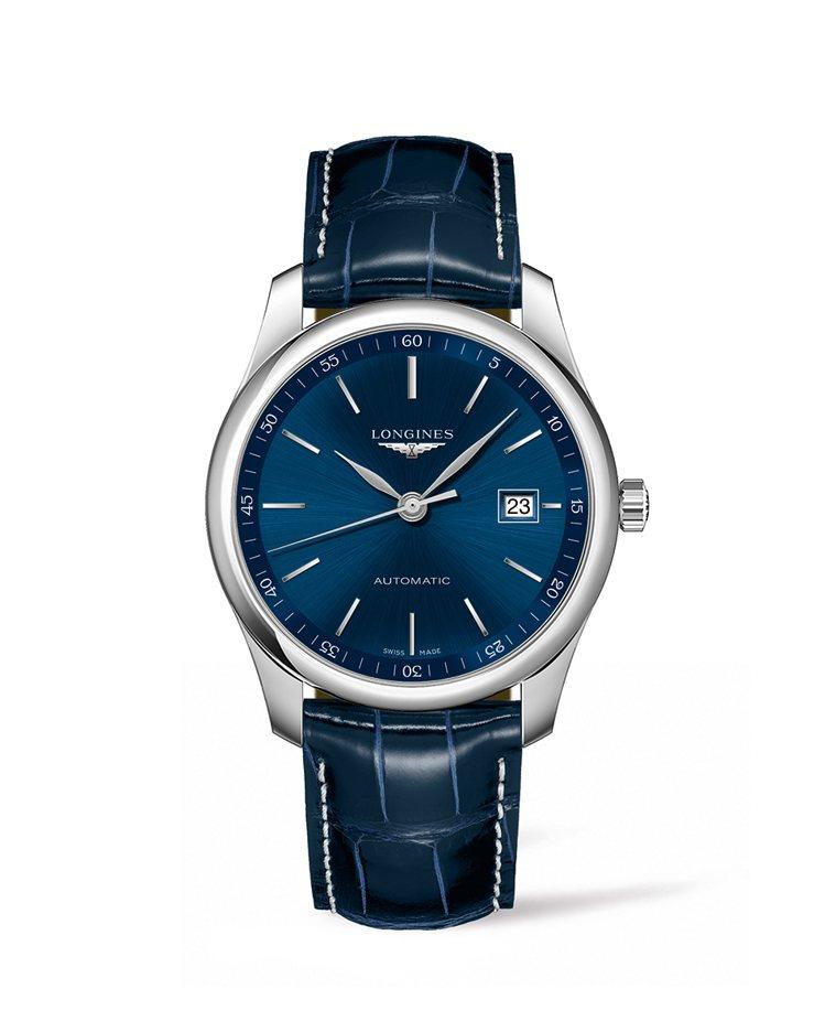 浪琴表巨擘系列午夜藍鱷魚皮腕表,表徑40毫米,約65,000元。圖/Longin...