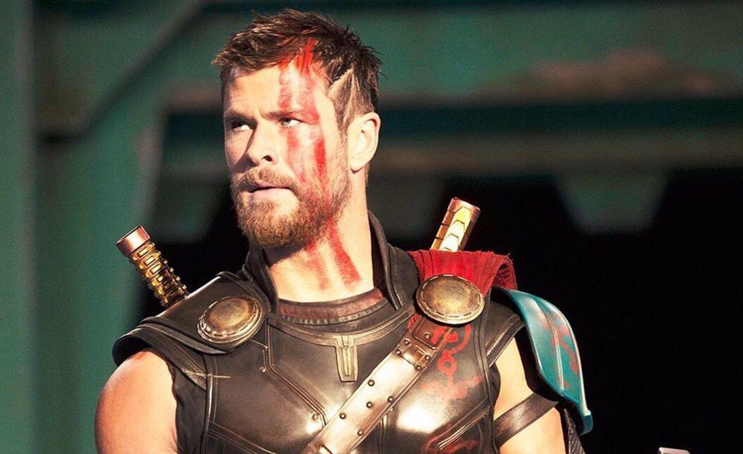克里斯漢斯沃主演的「雷神索爾3:諸神黃昏」是年底最受期待的大片之一。圖/博偉提供