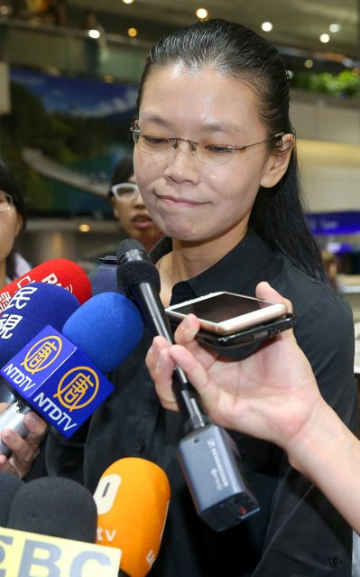 NGO工作者李明哲被大陸控訴涉嫌「顛覆國家政權罪」,李的妻子李凈瑜(如圖)前往大...