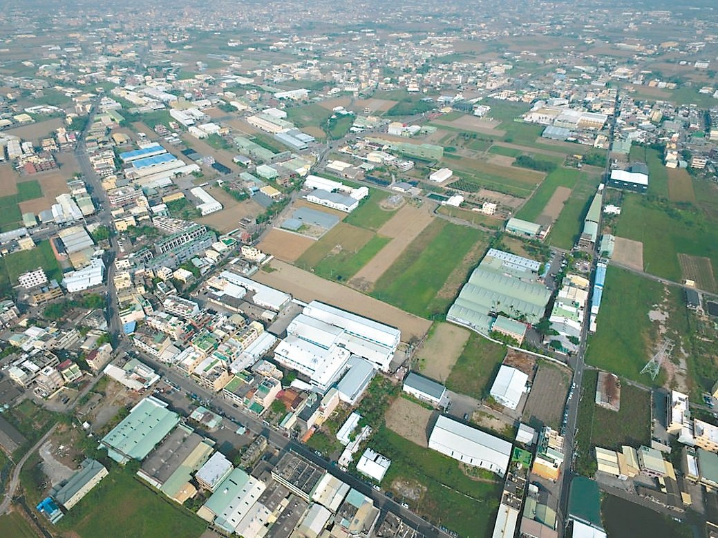 農委會查報彰化縣去年520以後,在農地新生109件違章工廠,將強制拆除。 記者劉...