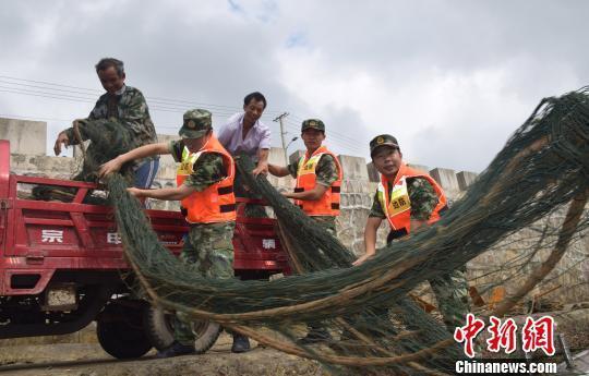 中颱泰利北偏風勢持續增強,中國大陸沿海地區已發出颱風橙色預警,福建和浙江兩省超過...