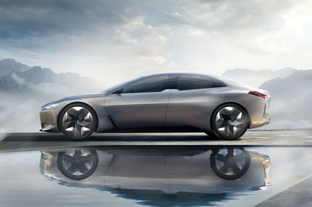 BMW i Vision Dynamics 車測。 摘自BMW