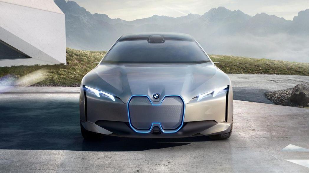 BMW i Vision Dynamics 車頭。 摘自BMW