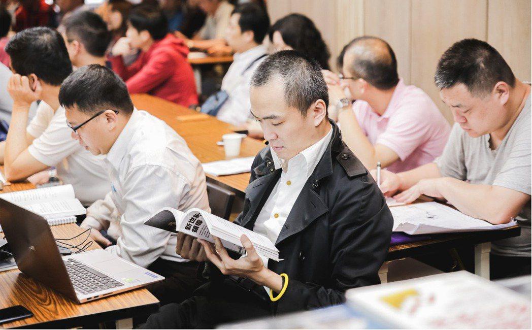 台灣商務平台希望引發國人求知慾望,帶動學習風氣 台灣商務平台/提供