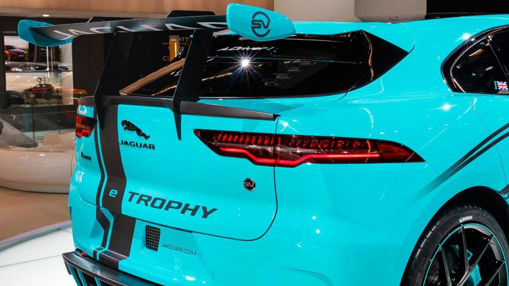 Jaguar I-Pace eTrophy 固定式後擾流尾翼。 摘自Jaguar