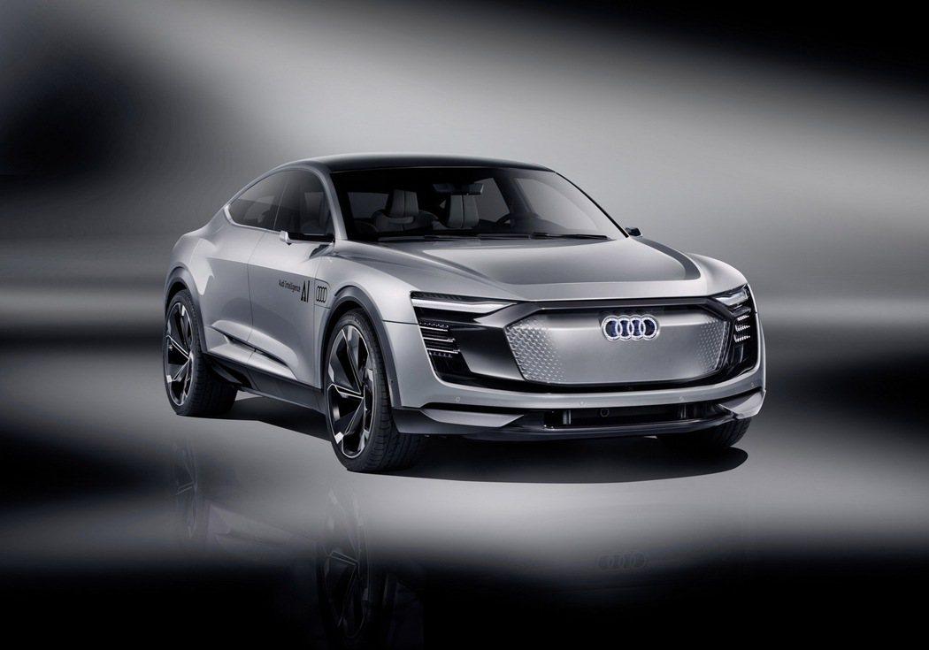 Audi Elaine concept car搭載多項最新世代Audi AI智慧科技,擁有最新Level 4 自動駕駛技術,可於時速60~130 Km/hr內的高速公路上自行駕駛。 圖/台灣奧迪提供