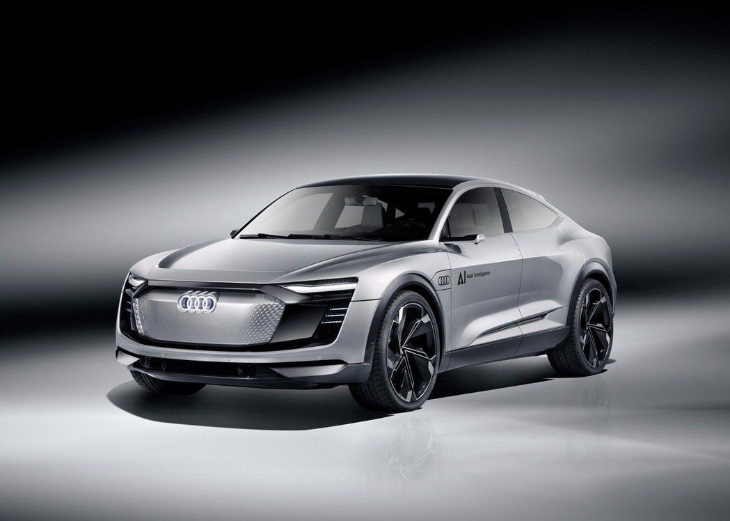 Audi Elaine屬C級距的車身尺寸搭配23吋6幅式鋁圈,彰顯個性風采。 圖/台灣奧迪提供