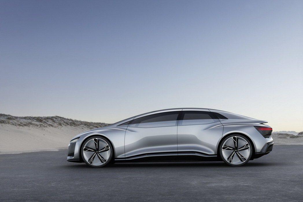 Audi Aicon再度展現Audi電動科技新突破,在充足電力情況下擁有達800公里的續航力 圖/台灣奧迪提供