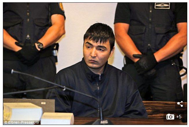 22歲的阿富汗難民侯賽因‧哈瓦里。圖擷自Daily Mail每日郵報(9/13)