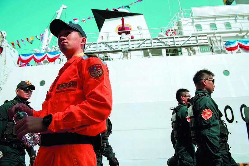 海巡負責維護海上秩序,若無司法警察身分,會引起諸多司法糾紛。 總統府提供