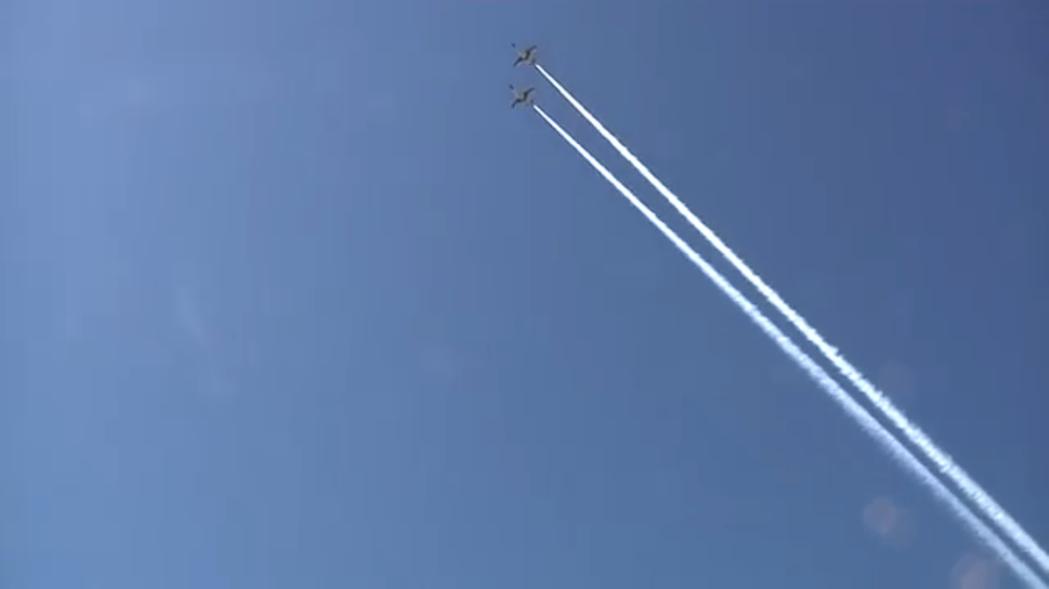 空軍花蓮基地營區開放活動,昨天上午空軍進行半兵力戰機飛行的預演。圖/民眾提供